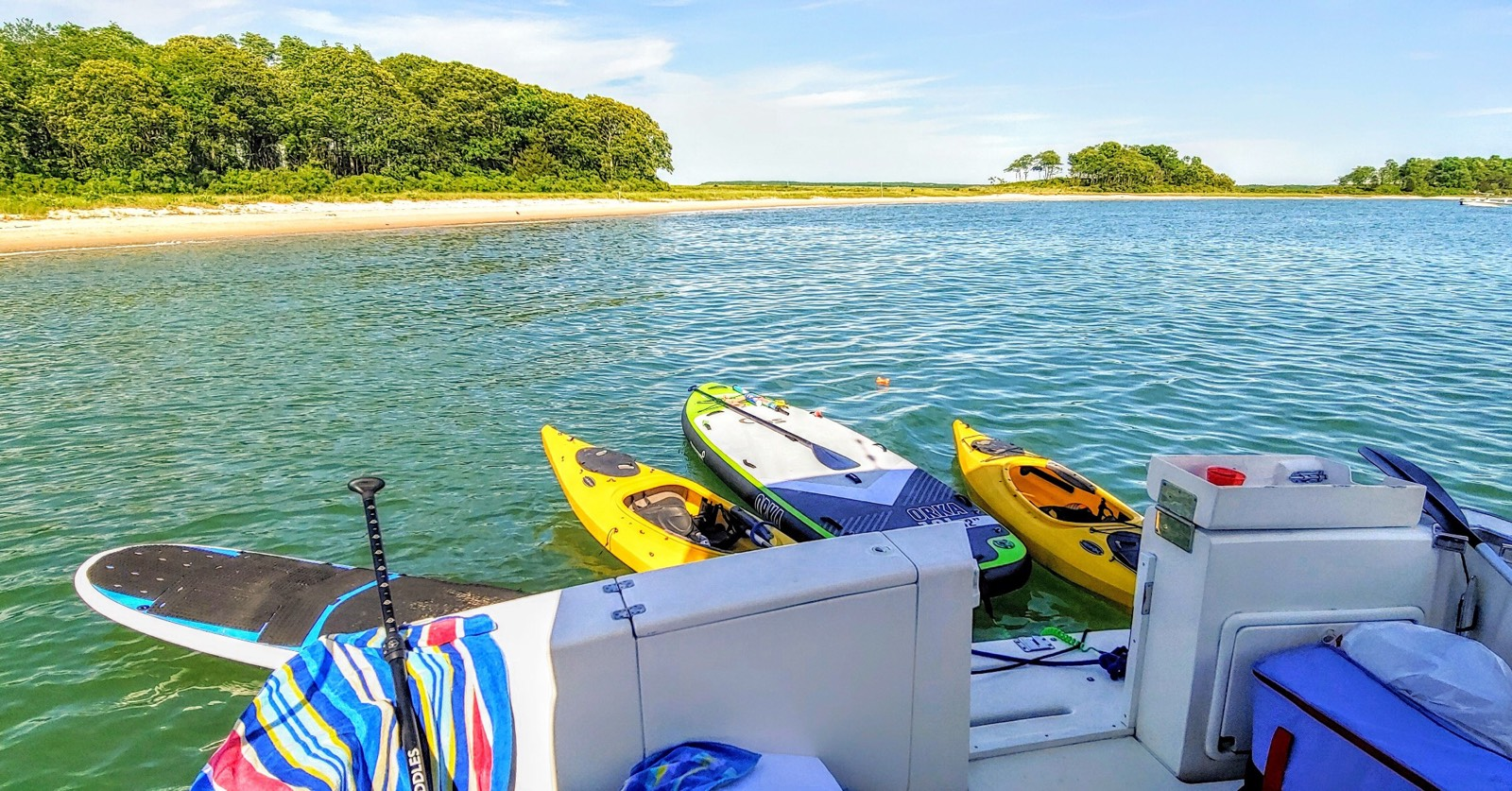 All the components for a perfect day on the water.
